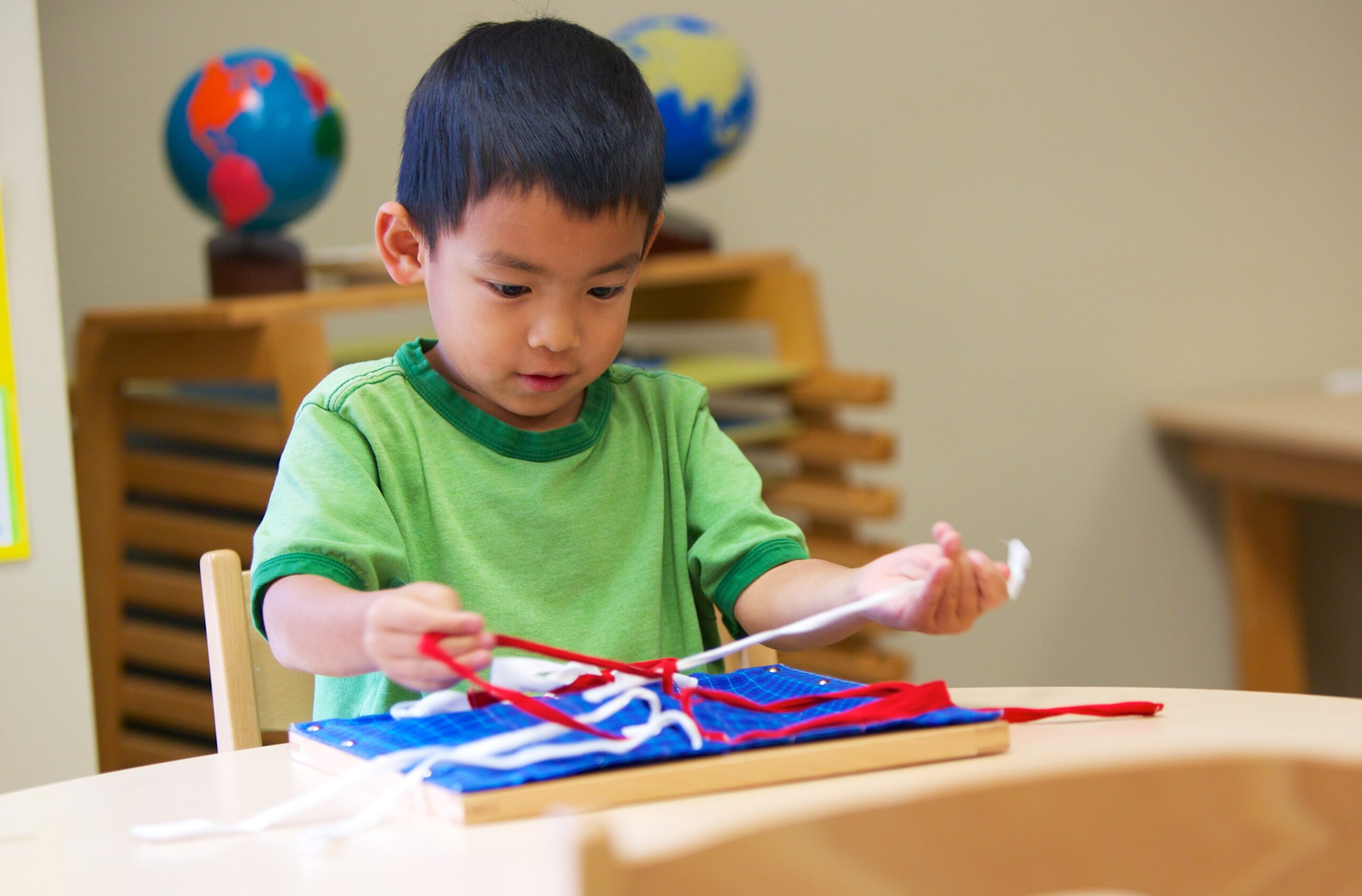 Helping Your Child Transition Easily to a Montessori Education