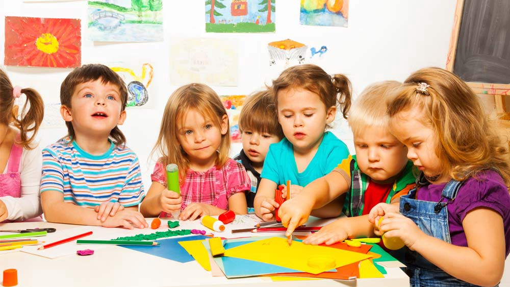 5 Reasons Your Should Enroll Your Kids in Montessori Schools
